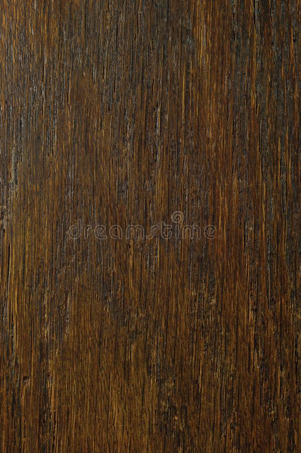 Dąb adry forniru tekstury tło, ciemnego czerni brązu naturalny vertical drapający textured wzór, ampuła wyszczególniający niewygł zdjęcia stock