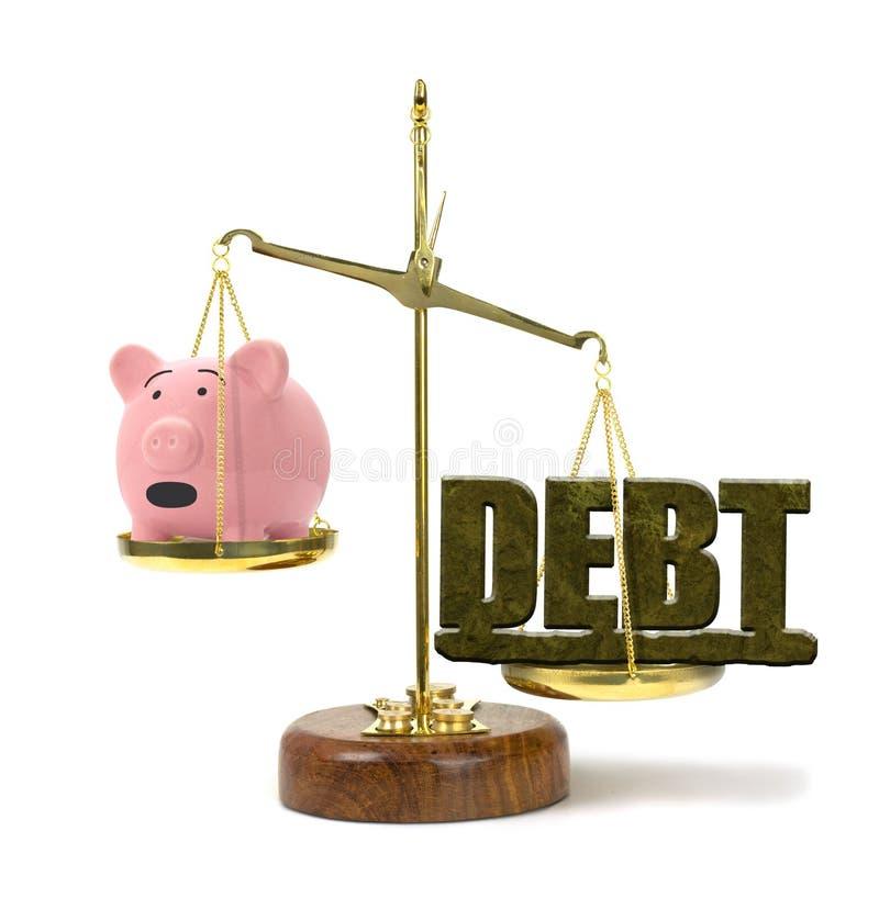DŁUG na skala przeważa zmartwionego prosiątko banka reprezentuje pieniężnych problemy zdjęcia royalty free