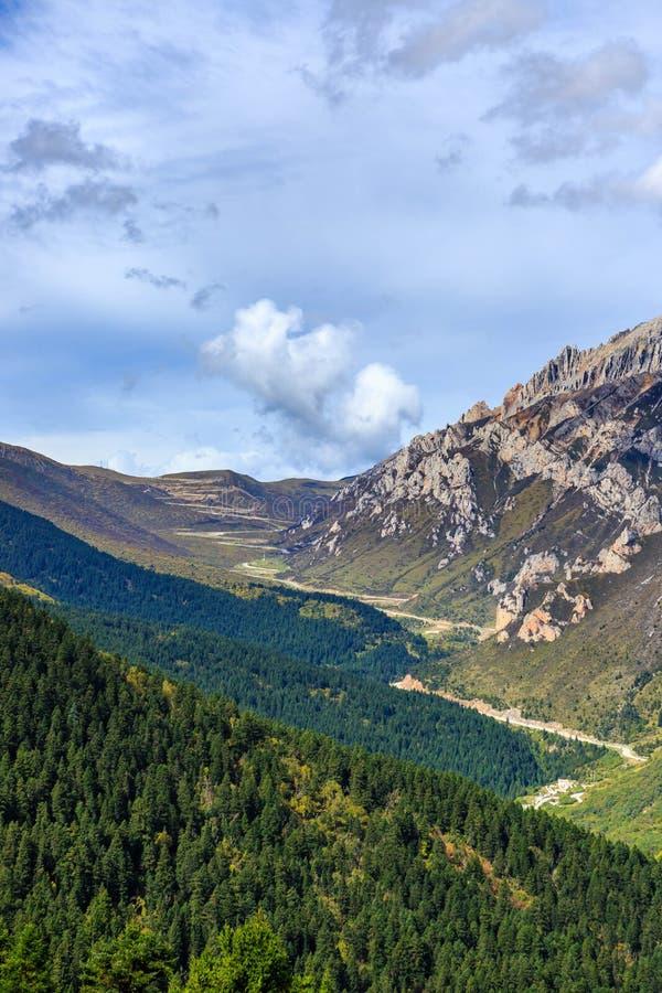 Długa i wąska dolina zdjęcie stock
