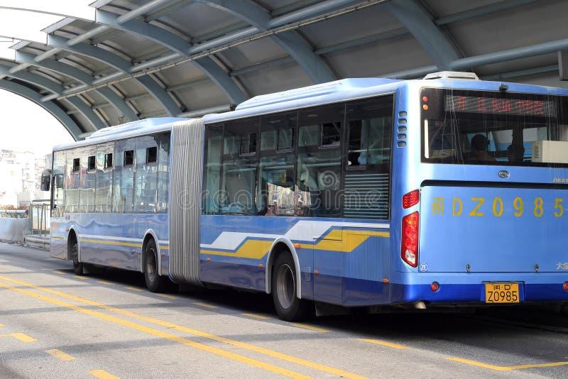 długi jaskrawy autobus zdjęcia royalty free