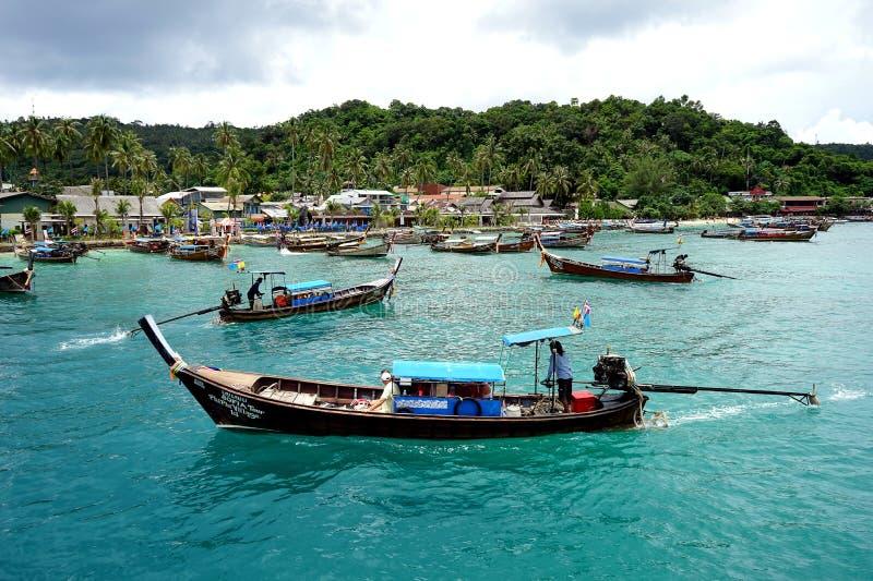 długi ogon łodzi obrazy stock