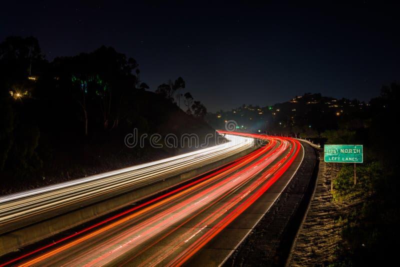 Długi ujawnienie Kalifornia trasa 125 przy nocą, w los angeles mesach, Cal obraz royalty free