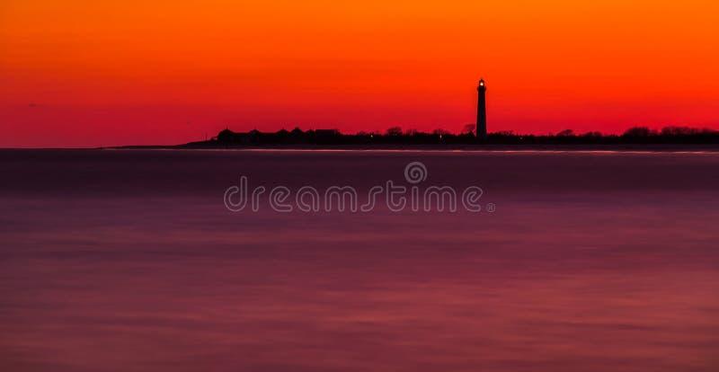Długi ujawnienie przylądek May Wskazywać latarnię morską po zmierzchu, Nowego zdjęcie stock