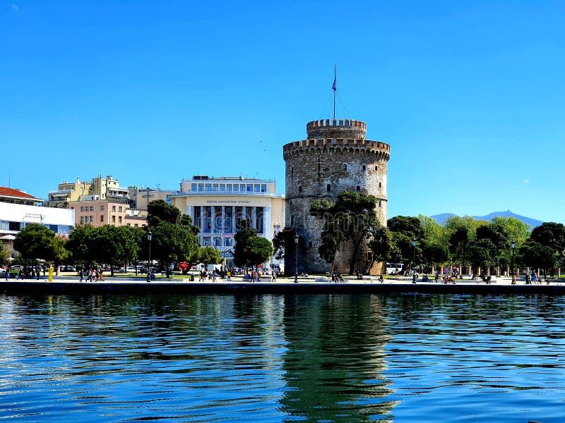 Długi ujawnienie strzelający brach Thessaloniki port budynki i słońce robi dniu doskonalić po tym jak tak dużo podeszczowy  obrazy stock