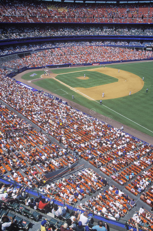Długi widok diament i blicharzi podczas fachowego baseballa gry, shea stadium, NY fotografia royalty free