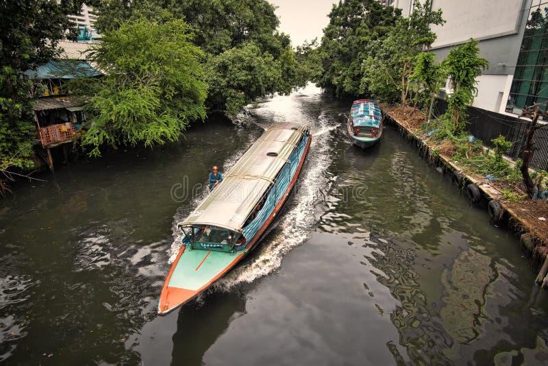 Długie łodzie na kanałach w Bangkok fotografia royalty free