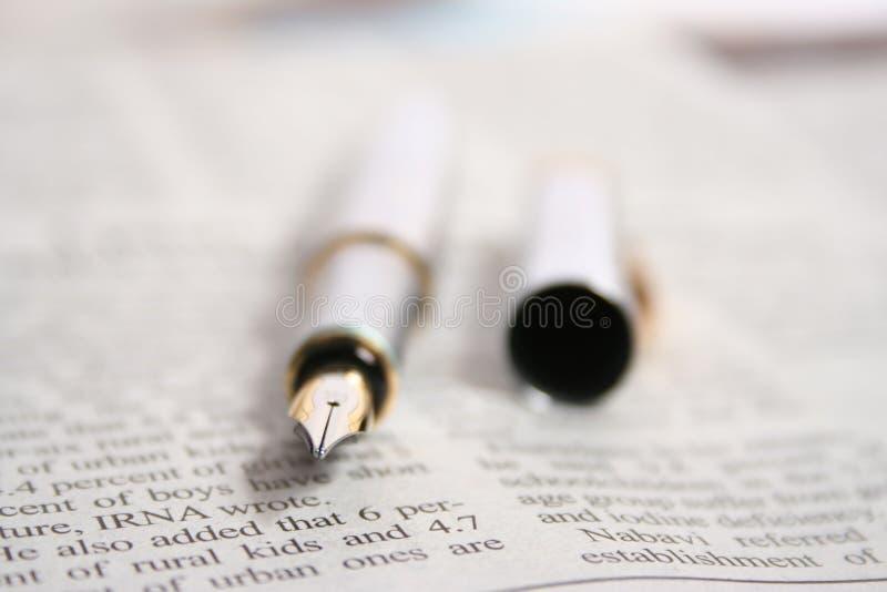długopis gazety obrazy royalty free