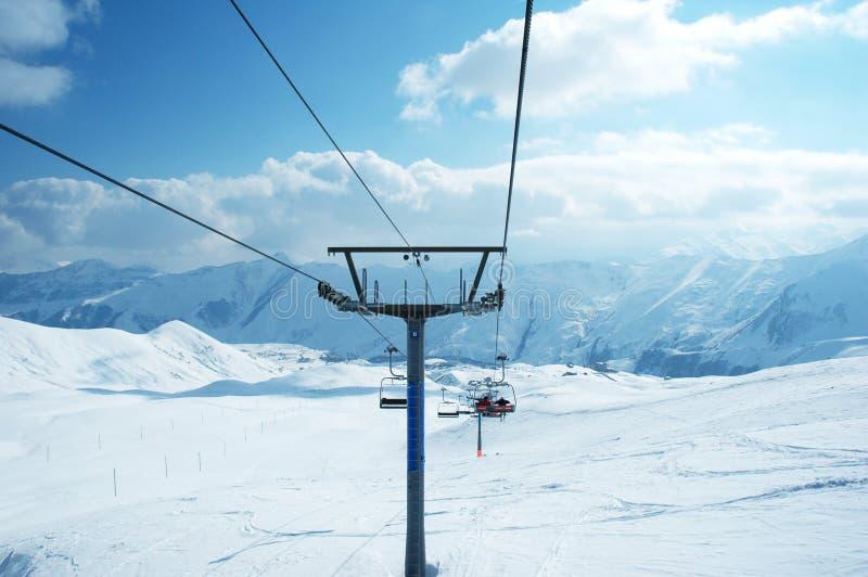Dźwignięć narciarscy krzesła fotografia stock