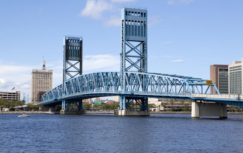 Dźwignięcie most nad St John Rzeczny Jacksonville, Floryda fotografia stock