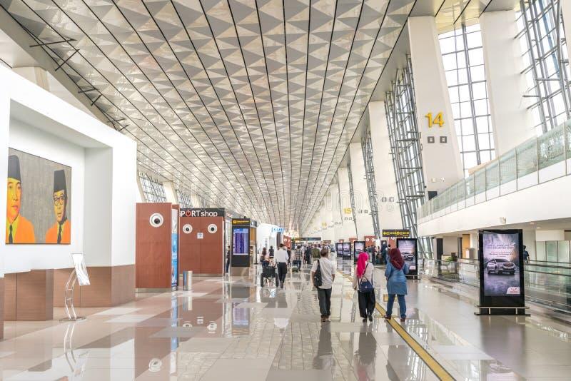 """Dżakarta Indonezja, Kwiecień, - 2019: Soekarno†""""Hatta lotnisko międzynarodowe 3 lotów krajowych odjazdu Śmiertelnie teren zdjęcia stock"""