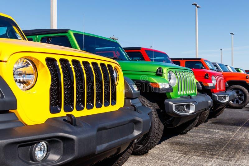 Dżipów Wranglers na pokazie przy Chrysler dżipa przedstawicielstwem handlowym Filie FCA są Chrysler, Dodge, dżip i baran II, zdjęcie royalty free