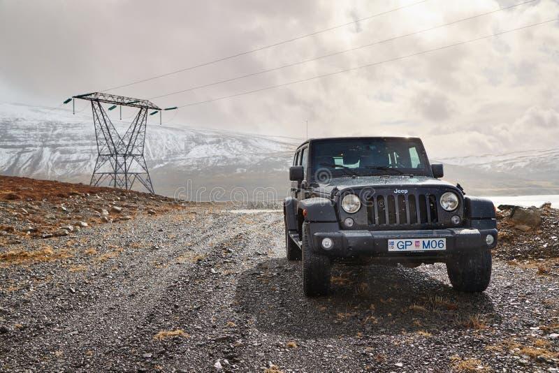 Dżipa Wrangler na Islandzkim terenie fotografia royalty free