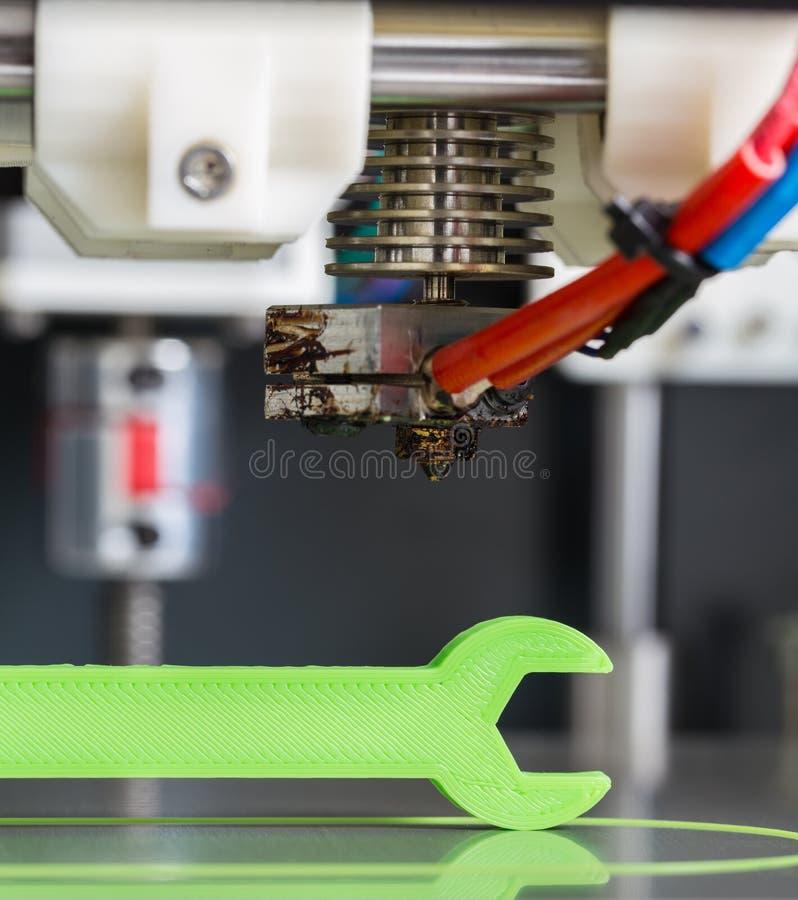 3d与浅绿色的细丝的打印 免版税库存图片