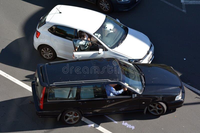 3d事故查出的汽车例证回报了白色 免版税库存图片