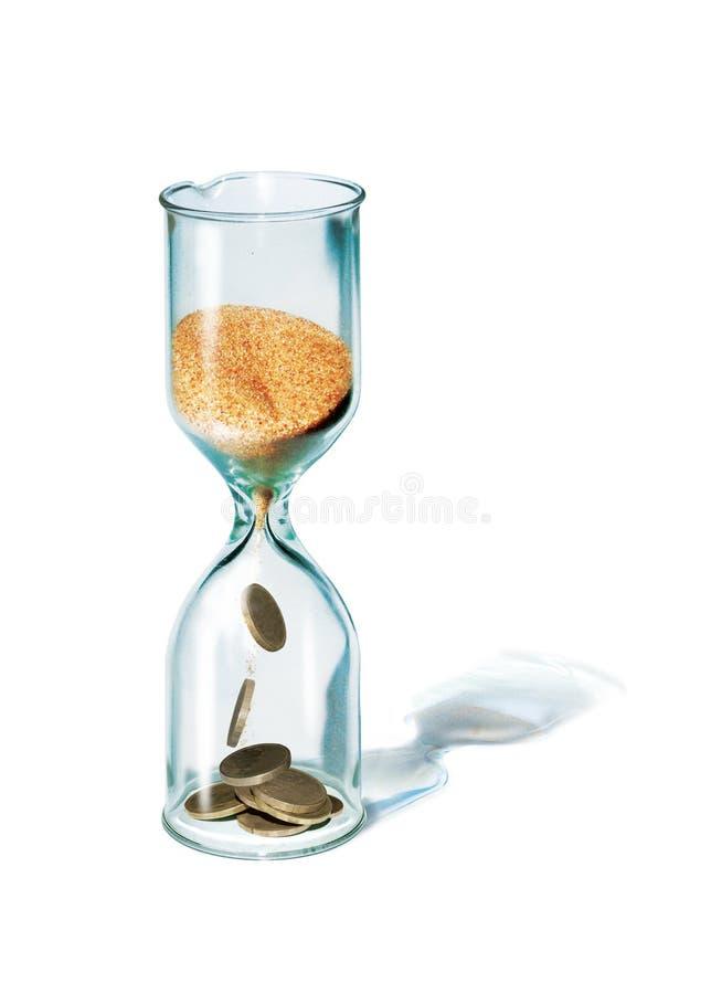 3d例证 时间是货币 玻璃滴漏 从上部电灯泡流程的沙子到更低一个里,转动从硬币  向量例证