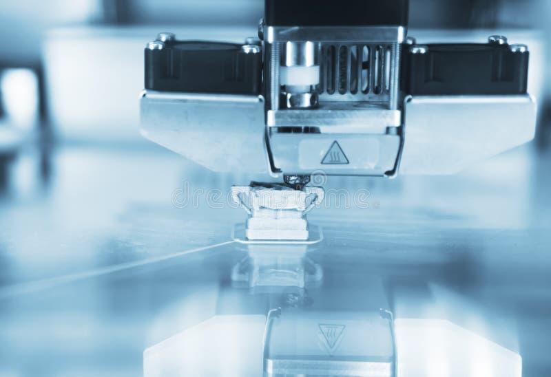 3D在行动的打印机 免版税库存图片