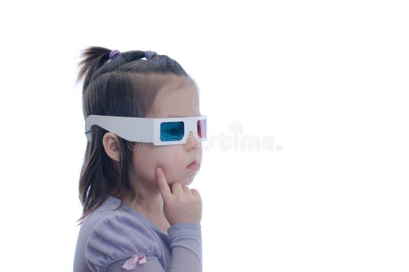 3D彩色立体图戏院玻璃的想法的想法小女婴与极化的立体声图象系统的 3d风镜 库存照片