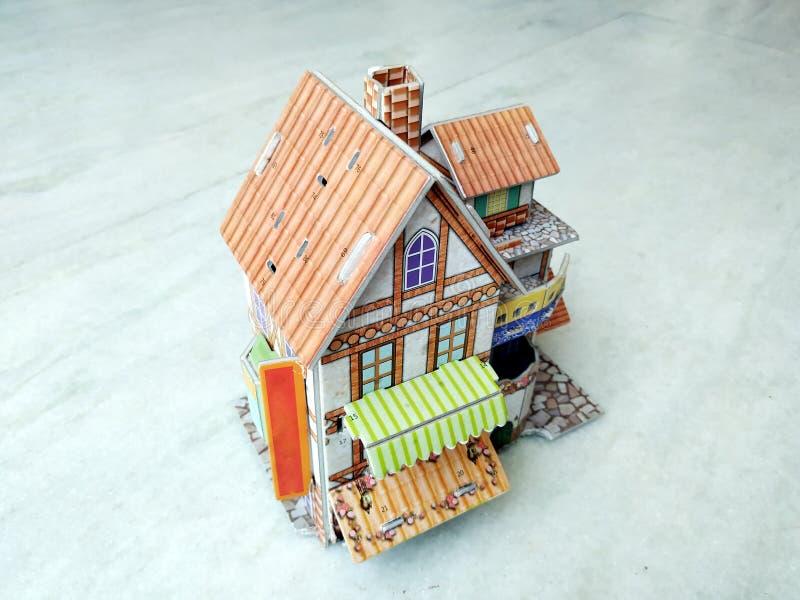 3d房子现代在白色背景 免版税库存图片