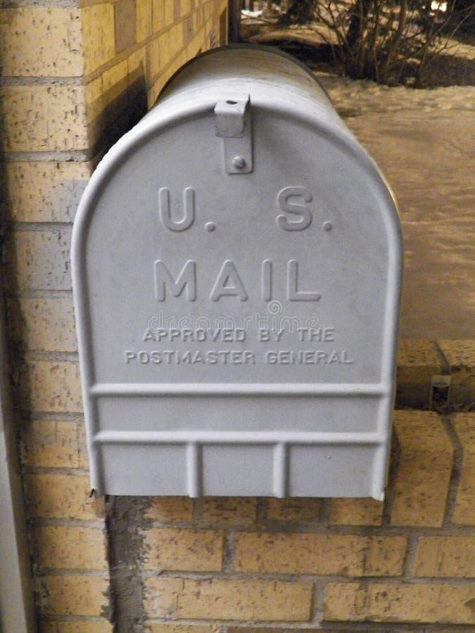 3d配件箱查出的邮件对象 免版税库存照片