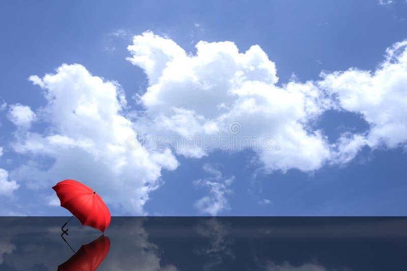 3D翻译:红色伞的例证投入了黑发光的地板反对蓝天和云彩 商业领袖概念, 皇族释放例证