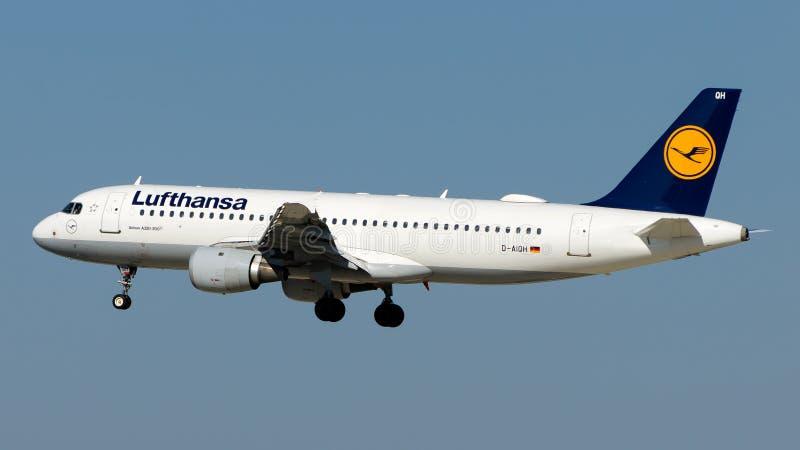 D-AIQH Люфтганза, аэробус A320-200 стоковые фотографии rf