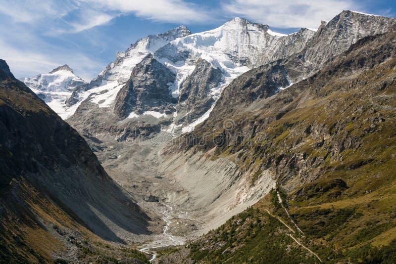 D'Anniviers Val στις ελβετικές Άλπεις στοκ φωτογραφία με δικαίωμα ελεύθερης χρήσης