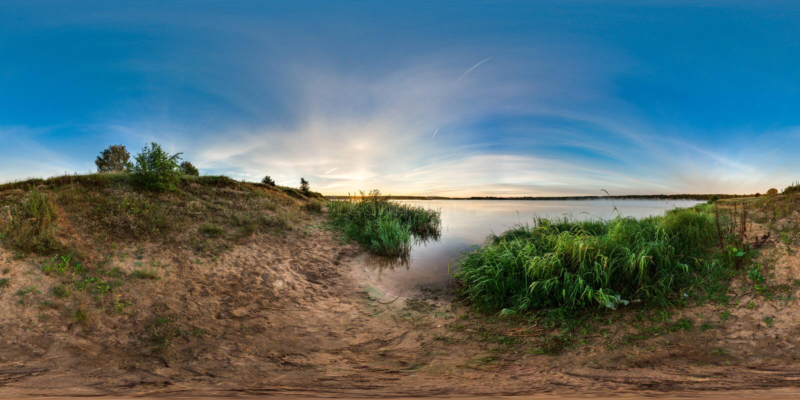3D bańczasta panorama z 360 viewing kątem Przygotowywający dla rzeczywistości wirtualnej lub VR Wschód słońca przy bankiem jezior obrazy stock