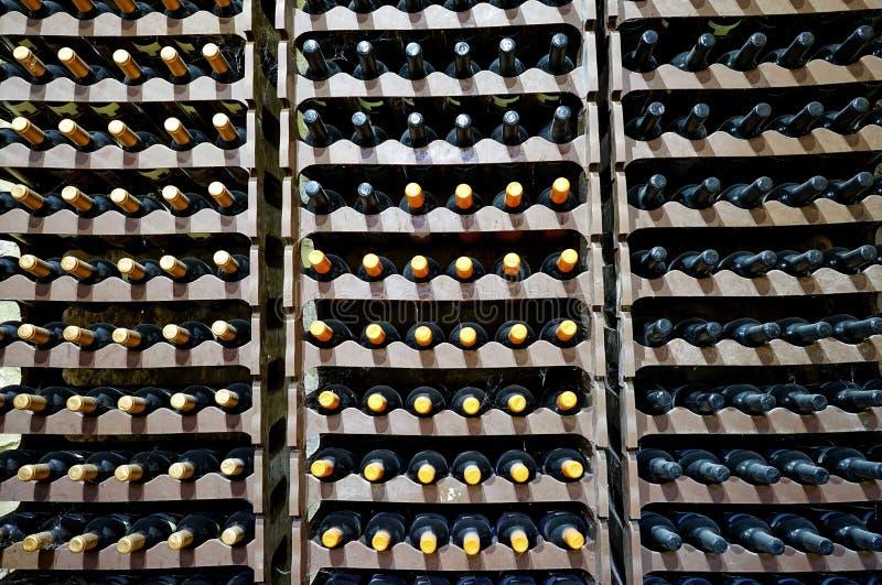 3d butelki modelują biały wino obraz royalty free