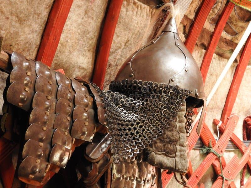 D?coration traditionnelle nationale du plafond et des murs du Yurt mongol Mod?les d'armure de cru La d?coration du Yurt images libres de droits