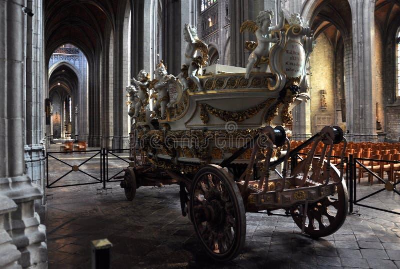 d'Or de véhicule - charrette dorée photos stock