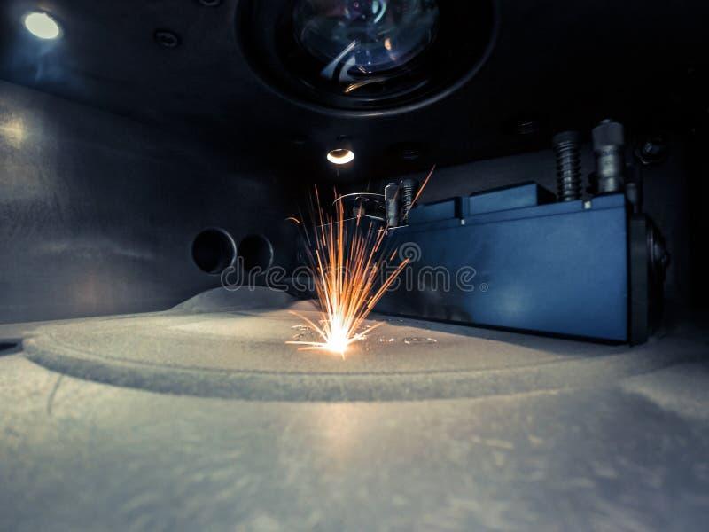 металл печатания принтера 3D Машина спекать лазера для металла стоковые изображения