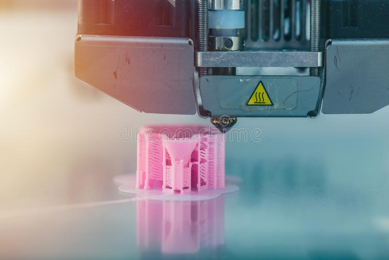 3d drukarki klingerytu pracujący drukowy model obrazy royalty free