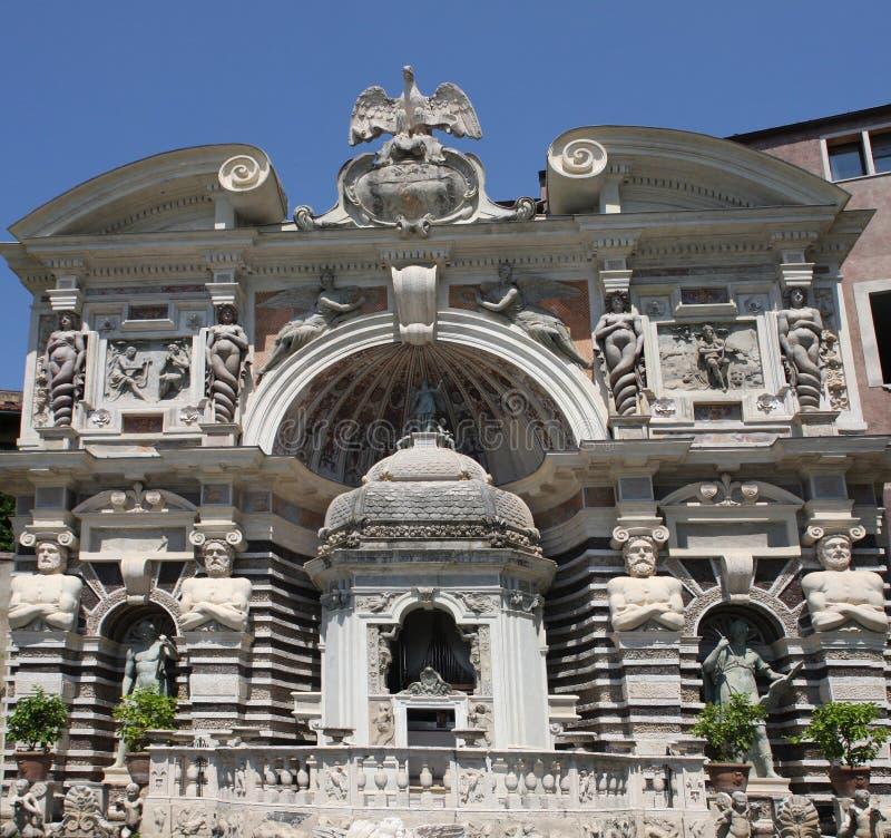 D 39 este de villa dans tivoli italie photo stock image du for Dans italien