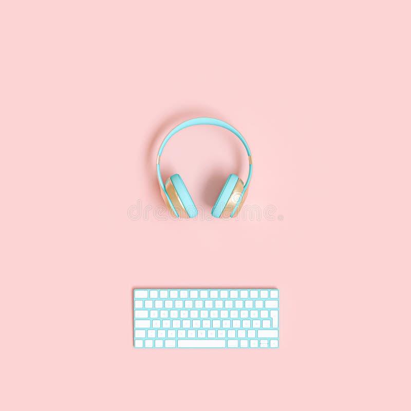 3d framför bild av en trådlös ljudsignal hörlurar med mikrofon och ett datortangentbord vektor illustrationer