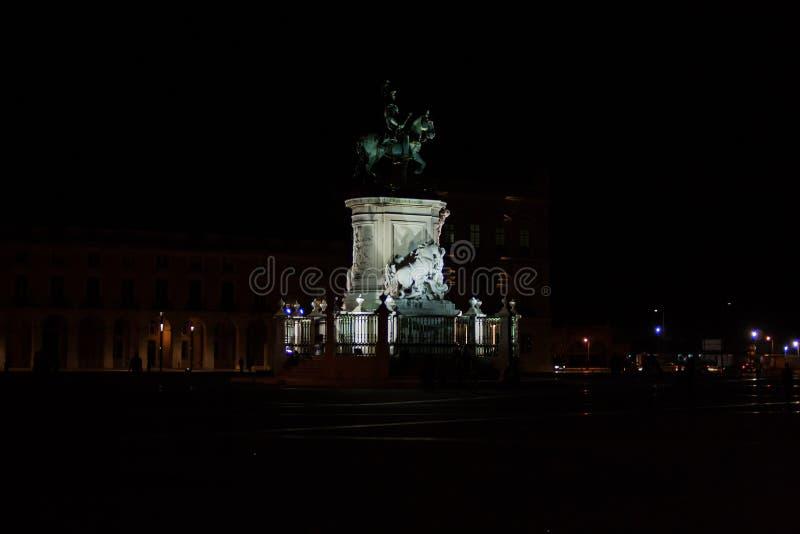 D Het Standbeeld van Jose I in Praça Comércio in Lissabon stock fotografie