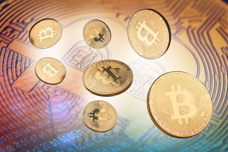 3d illustratie van velen bitcoin gouden muntstuk stock foto