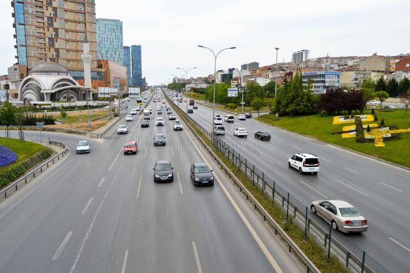 D100 Indyczy Istanbu? Kartal Cevizli autostrada, ruch drogowy no jest intensywna fotografia stock