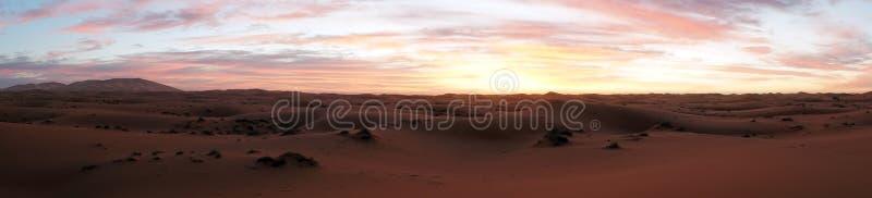 3 d krajobrazu pustyni wschód słońca obraz stock