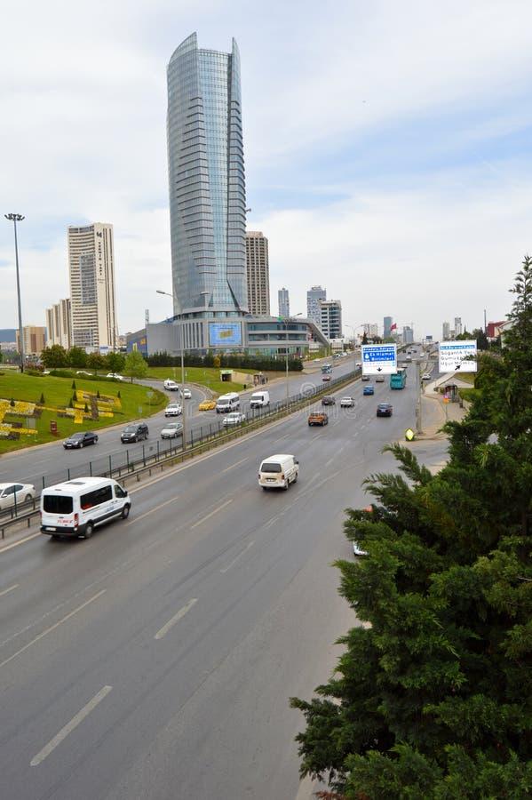D100 la carretera Turqu?a Estambul Kartal Cevizli, tr?fico no es intensiva foto de archivo libre de regalías