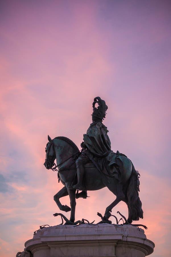 d la statue de Jose I dans le terreiro font Paço image stock