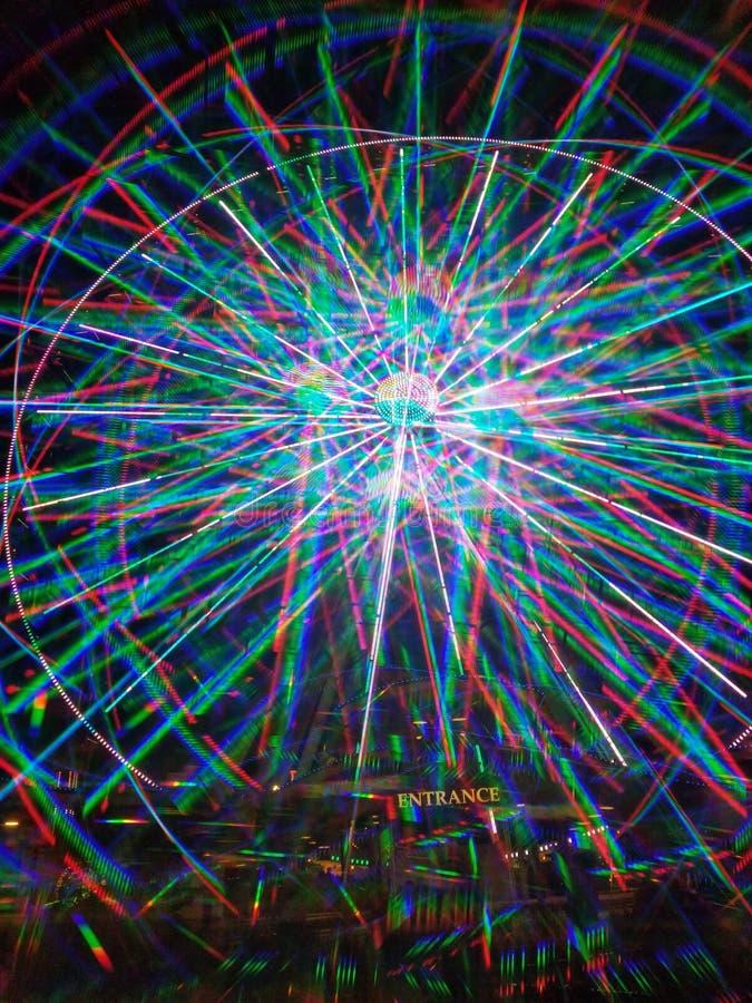 3D lumières multicolores LED bleues la roue de ferris de Pigeon Forge d'île photographie stock