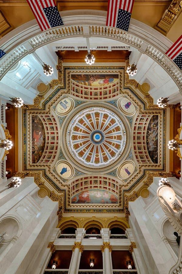 Dôme d'intérieur de capitol de la Pennsylvanie images libres de droits