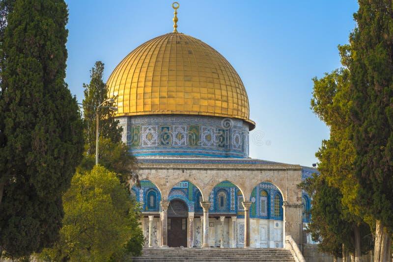 Download Dôme De La Roche Dans La Vieille Ville De Jérusalem Photo stock - Image du mosquée, architecture: 87708138