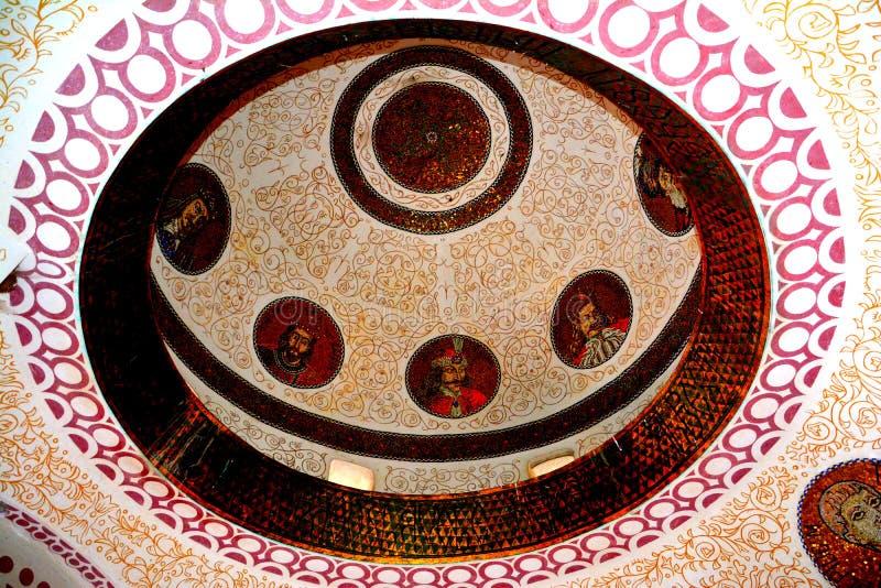 Dôme du mausolée des héros dans Mateias, près de Campulung image stock