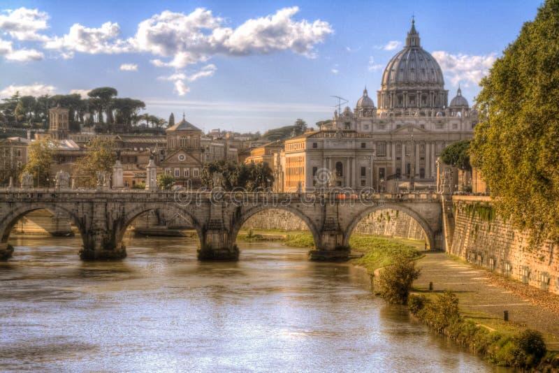 Dôme et rivière à Rome, Italie Voyage postcard image libre de droits