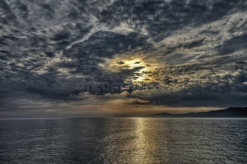 3 d ocean sprawia, że zachód słońca zdjęcie royalty free