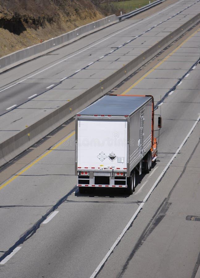 D'orange camion semi photos libres de droits