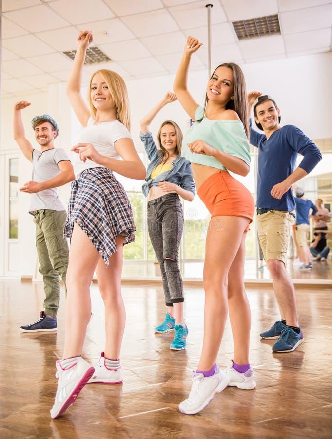 3d piękni dancingowi ilustracyjni ludzie trzy bardzo zdjęcia stock