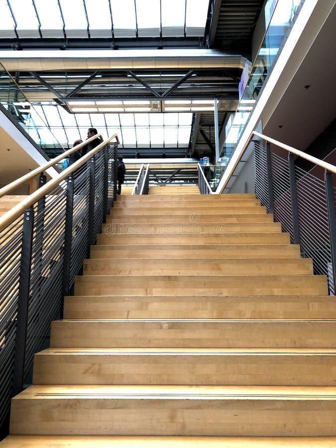 3d pojęcia ilustracyjny schodków sukces drewniany fotografia stock