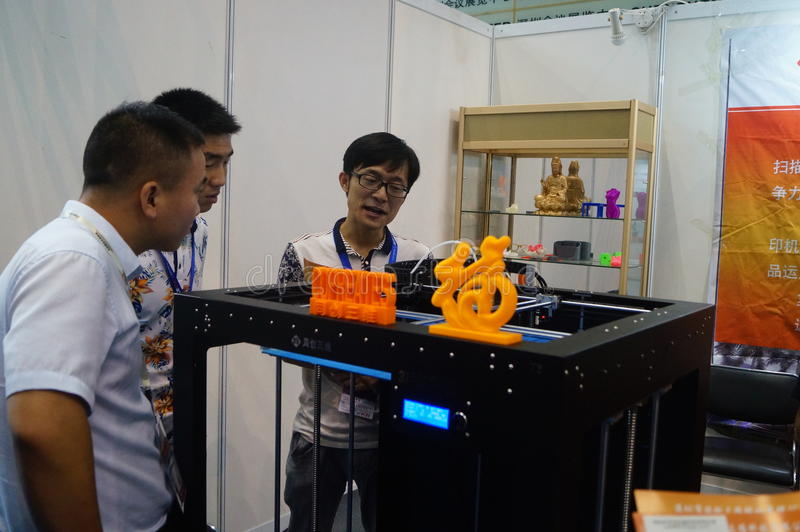 3D printing applications and facilities and Equipment Exhibition. Exhibition center in Shenzhen, the twentieth IIC-China Electronic Engineering event royalty free stock images